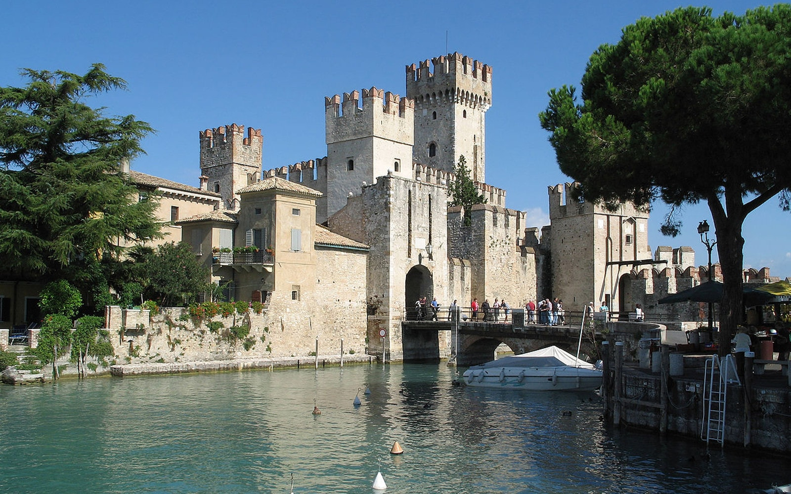 GUIDED TOUR OF SIRMIONE AND CATULLO'S GROTTOES