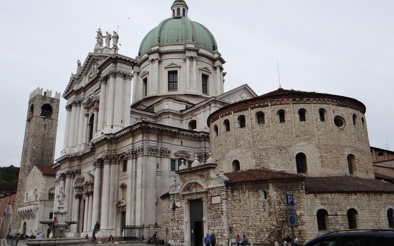 Le cattedrali e piazza del Duomo