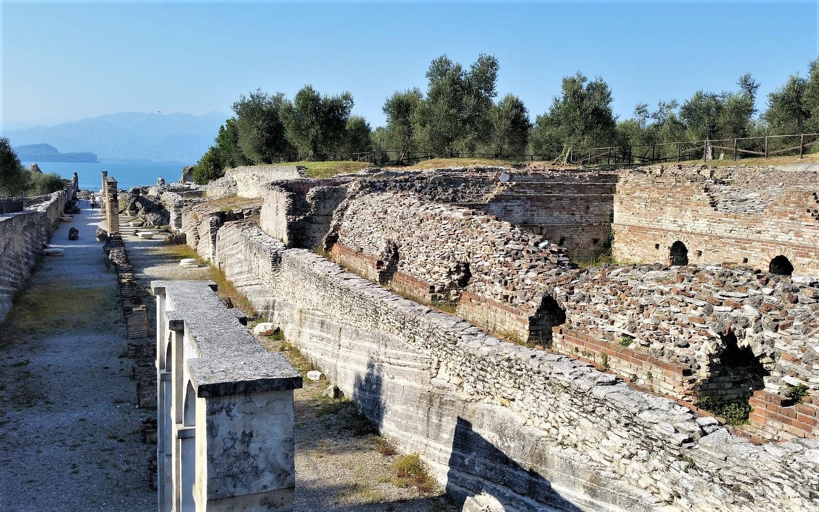 Sirmione e le grotte di Catullo
